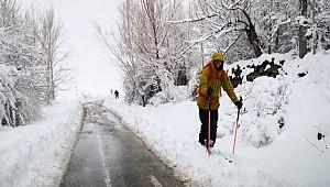 Aksaray Güzelyurt'ta Turistlerin kayak eğlencesi
