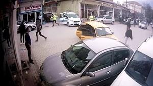 AKSARAY'IN ORTAKÖY İLÇESİNDE POLİSTEN KAÇAN 4 KİŞİ KAZA YAPINCA YAKALANDI