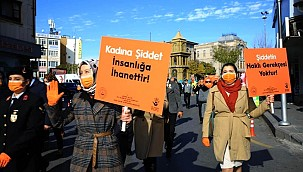 Aksaray'da 'Kadına Şiddete Hayır' farkındalığı için yürüdüler