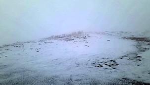 Konya Aladağ'a mevsimin ilk karı yağdı