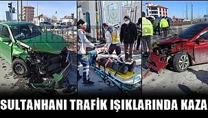SULTANHANI İLÇESİ TRAFİK IŞIKLARINDA KAZA, 3 YARALI